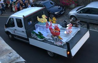 Lyme Regis Duck Competition - Carnival Parade